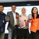 Direktur Consumer Service Telkom Siti Choiriana (kedua dari kanan), Direktur Shopee Indonesia Christin Djuarto (paling kanan), Direktur Utama Finnet Paulus Djatmiko (kedua dari kiri) dan Operation Vice President Consumer Assurance Telkom Agus Winarno (paling kiri) usai penandatanganan kerjasama dan peluncuran Cross-Selling Add On IndiHome via Shopee di Jakarta, Rabu (11/09). (FOTO: Humas Telkom/NN)