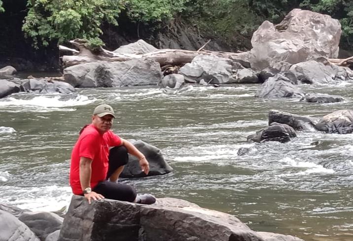 Tokoh Masyarakat Perbatasan Robby Nahak Serang saat mengunjungi Lumbis Ogong.