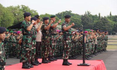 Apel Gabungan di Surabaya, Perkuat Sinergitas dan Soliditas TNI-Polri. (FOTO: NUSANTARANEWS.CO/Pendam Brawijaya)