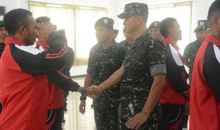 Danrem 084/Bhaskara Jaya Lepas Atlet Piala Panglima TNI. (FOTO: NUSANTARANEWS.CO/Agung)