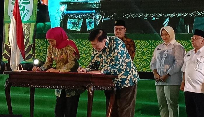 Libatkan 150 Ponpes Se Jatim, Gubernur Khofifah Buka OPOP EXPO Jatim. (FOTO: NUSANTARANEWS.CO/Setya)