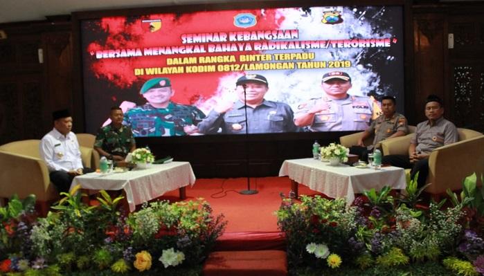 Seminar Kebangsaan, Forkopimda Lamongan Datangkan Mantan Teroris. (FOTO: NUSANTARANEWS.CO/Didik)