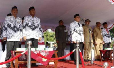 Bupati Sumenep saat menjadi pembina upaca di Apel Hari Guru Nasional 2019 di Sumenep Madura