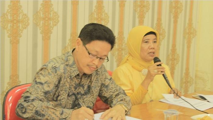 Zusneli Zubir bicara saat Uji Petik Sejarah Kerajaan Pagaruyung. (Dok. Istimewa)