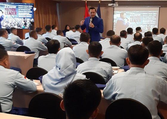 Wakil Ketua Umum Partai Demokrat, Agus Harimurti Yudhoyono (AHY) secara resmi membuka pendidikan tahap akhir Akademi Demokrat Angkatan Pertama di Hotel Atlet Century Park, Senayan, Jakarta Selatan, Jumat (6/12).