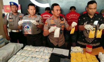 Temukan Belasan Koli, Polrestabes Surabaya Gagalkan Perdagangan Pil Koplo di Surabaya