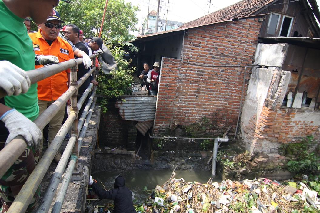 Atasi Banjir, Jatim Normalisasi Kali di Sidoarjo