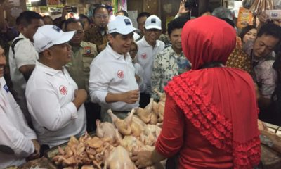 Menteri Perdagangan Agus Suparmanto saat sidak di pasar Wonokromo Surabaya, Jumat (31/1/2020). (FOTO: NUSANTARANEWS.CO/Setya)