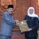 Wakil Bupati Sidoarjo Nur Ahmad Syaifuddin resmi melaksanakan tugas dan wewenang sebagai pelaksana tugas (Plt) Bupati Sidoarjo menggantikan Saiful Illah.