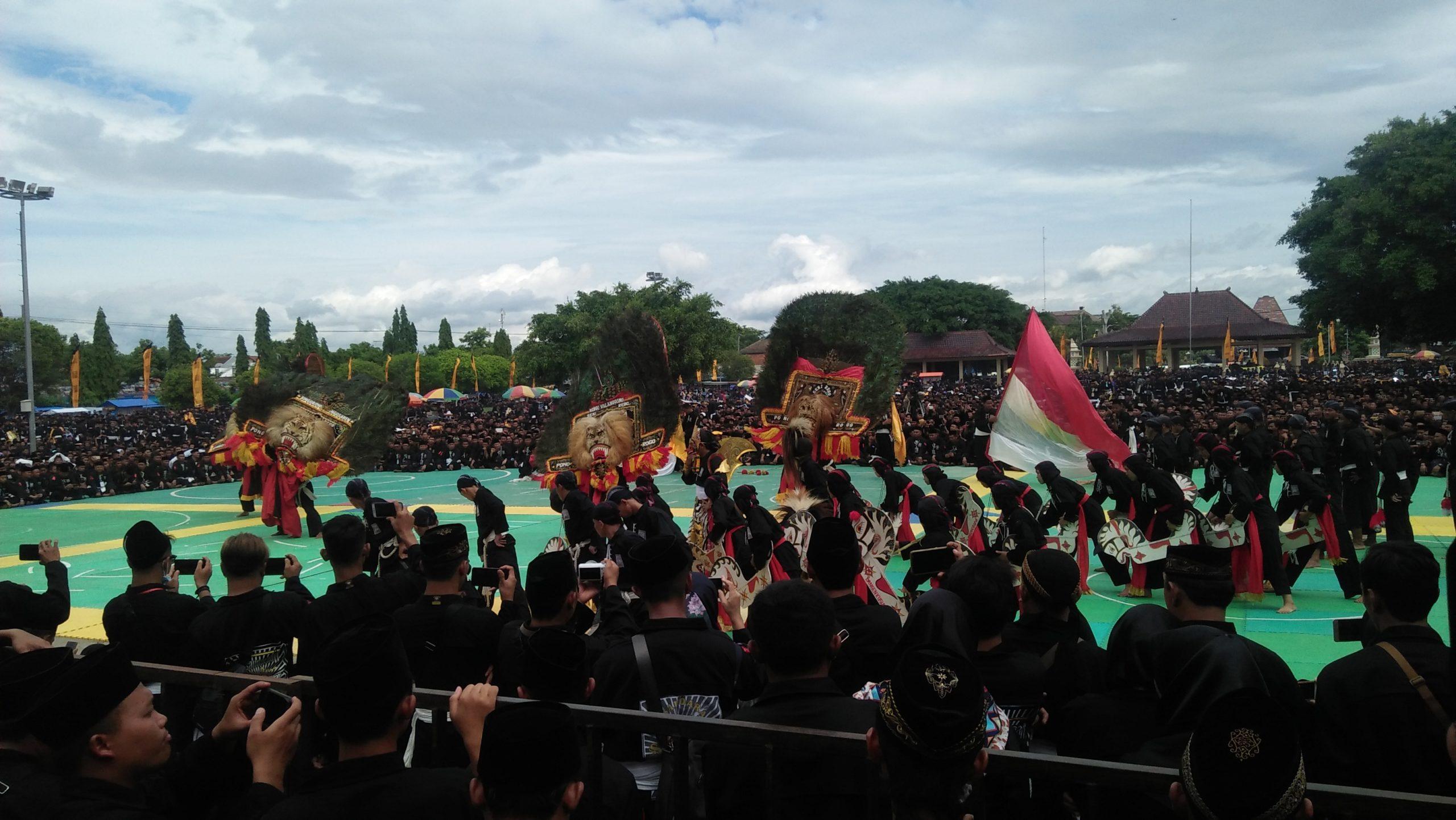 Ribuan Warga PSHT Cabang Ponorogo Doa Bersama untuk Keselamatan Bangsa