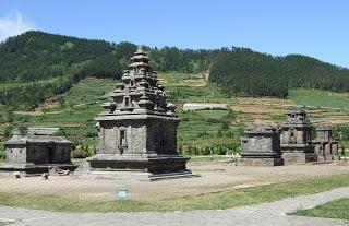 Kumpulan Candi di Dieng, bukti peninggalan Maharaja Sanjaya dari kerajaan Mataram / Medang . (Eddy S)