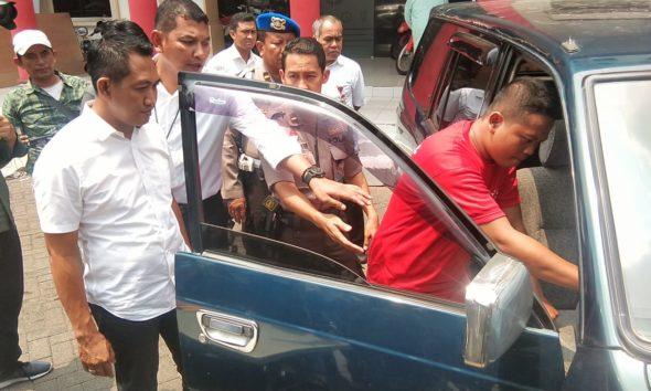Berusaha Kabur Saat Penangkapan, Pemuda Madura Ditembak Kaki Oleh Polisi Surabaya