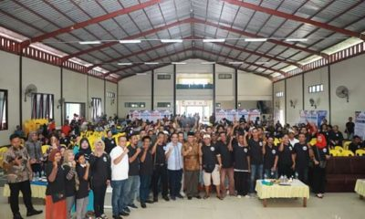 Keterangan foto : Ribuan masyarakat Nunukan mendeklarasikan diri sebagai pendukung Gubernur Kaltara , Irianto Lambrie dalam wadah Sahabat Irianto (SI) Nunukan di Gedung Ali Akbar, Nunukan, Sabtu (8/2/2020)