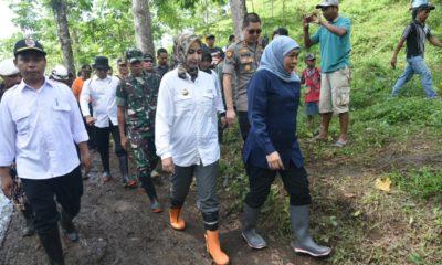 Gubernur Jatim Kunjungi Lokasi Bencana Alam Desa Klungkung