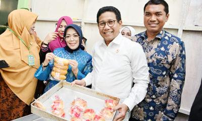 Menteri Desa PDTT Kunjungi Pabrik Roti BUMG Cot Girek Kandang