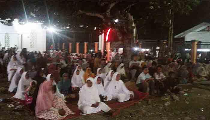 Warga Gampong Sagau Menyelenggarakan Peringatan Isra Mikraj