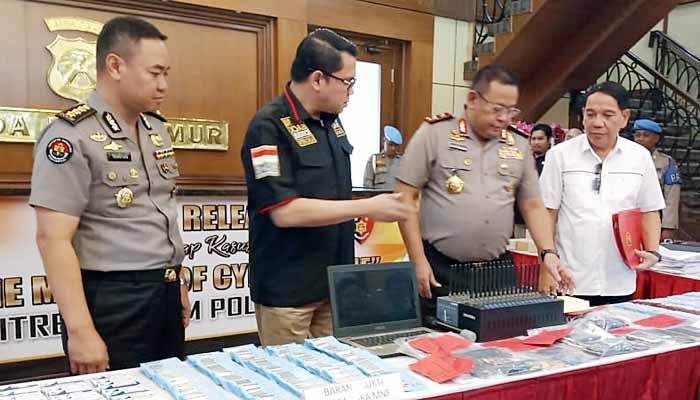 Polda Jatim Tangkap Komplotan Order Aplikasi Gojek Fiktif