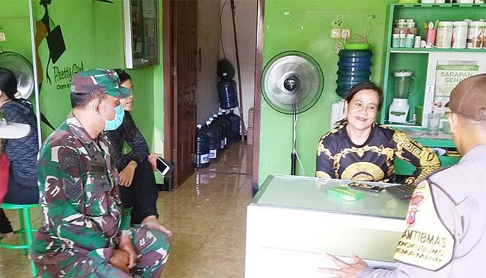 Door to Door, Babinsa dan Bhabinkamtibmas Semampir beri himbauan kepada warga