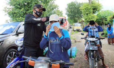 Cegah Covid-19, Disdik Sumenep bagikan seribu masker di perbatasan Sumenep-Pamekasan