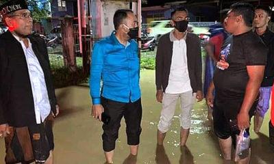 Ichsanuddin Ketua Fraksi PPP DPR Aceh mendengar aspirasi warga musibah banjir