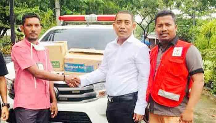 Ketua DPR Aceh Serahkan Bantuan Kemanusiaan Kepada PMI Pidie Jaya