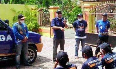 Politisi Nasdem serahkan mobil siaga bagi masyarakat Trenggalek, di samping cegah Corona