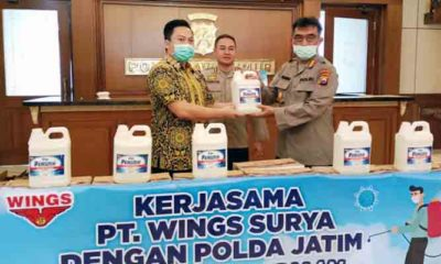 Ikut Cegah Pandemi, PT Wings Surya Sumbang Polda Jatim 1.700 Liter Disinfektan