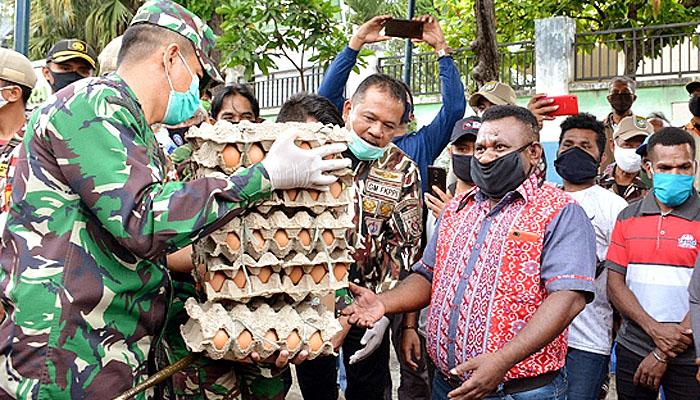– TNI, Polri dan Relawan salurkan bantuan kemanusiaan ke mahasiswa Papua di Kota Malang