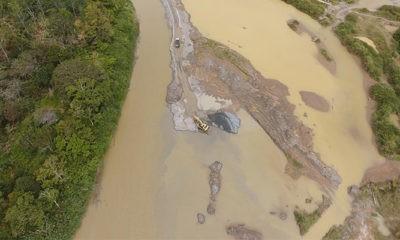 LSM kutuk kegiatan perusahaan di sempadan sungai yang tidak pedulikan lingkungan.