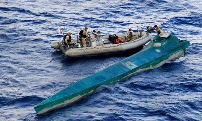 Kapal Angkatan Laut menghancurkan kapal narkoba, menyita 1,5 Ton Kokain.
