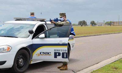 Latihan Personel Keamanan Angkatan Laut mengasah keterampilan selama pandemi.