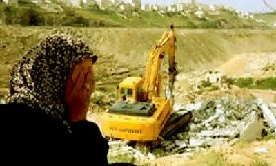 Buldoser Zionis Israel terus membongkar pemukiman Palestina di Yerusalem dan Tepi Barat.