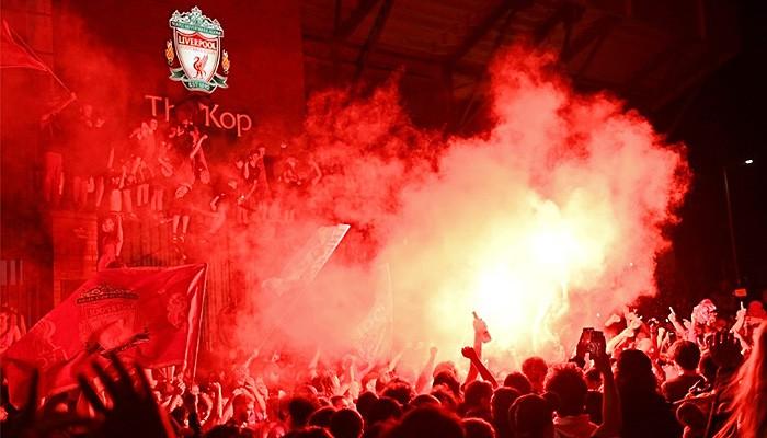 Liverpool Juara Liga Premier tanpa menendang bola