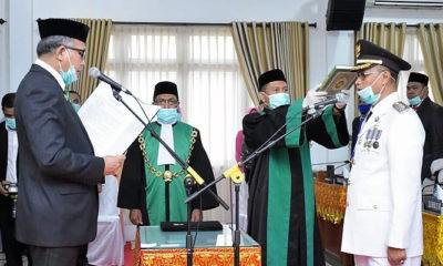 Pelaksana Tugas (Plt) Gubernur Aceh Nova Iriansyah melantik Dr. Muzakkar A. Gani, SH, M.Si sebagai Bupati definitif Kabupaten Bireuen