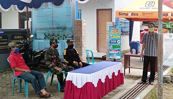 Babinsa terus pantau penerapan Protokol Kesehatan di Posko Kampung Tangguh