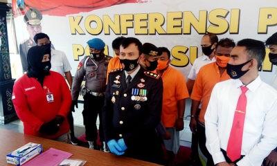 Tiga orang ditetapkan tersangka kasus OTT Pasar Lenteng, Polisi sita uang 17,3 juta.