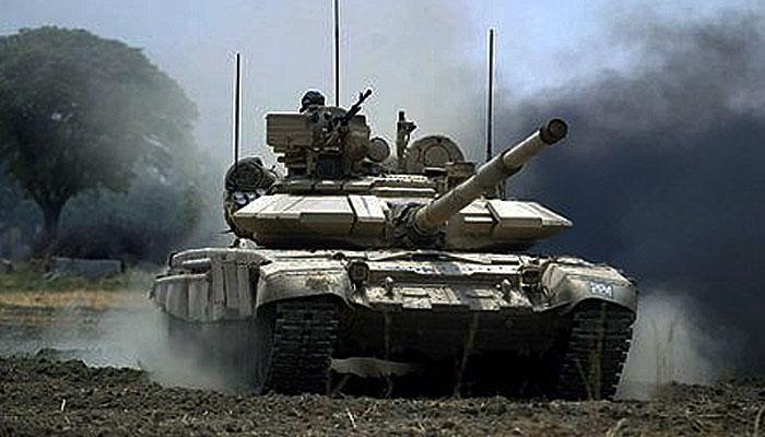 India kerahkan tank T-90 hadapi 50.000 tentara Cina di Aksai Chin.