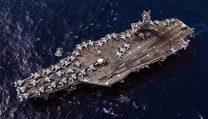 Angkatan Laut Cina tonton latihan perang group serang kapal induk Amerika di LCS.