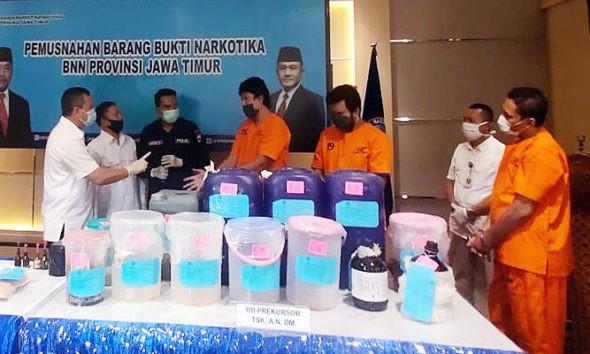 Tangkap komplotan jaringan Malaysia-Indonesia, BNNP Jatim musnahkan sabu seberat lebih kurang 5319 gram