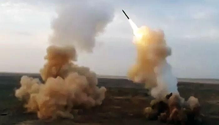Peluncuran unik rudal balisitik Iran dari bawah tanah.