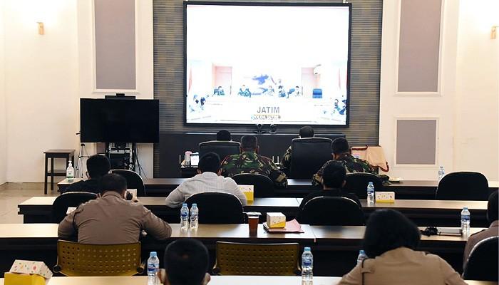 TNI-Polri Surabaya bahas penerapan Inpres 06 Tahun 2020.