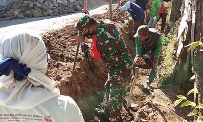 abinsa Sidorejo, Sertu Sutikno semangat bantu warga buat saluran air.