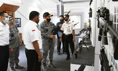 Kunjungan strategis Kepala Bakamla RI ke Pindad.