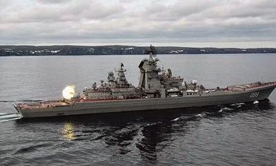 Kelompok Serang Armada Utara Rusia gelar latihan perang di Laut Barents.