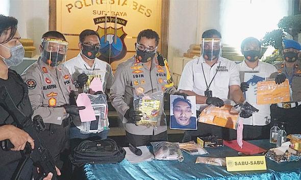 Ancam tembak petugas dengan senpi, bandar sabu di Surabaya dikirim ke akherat.