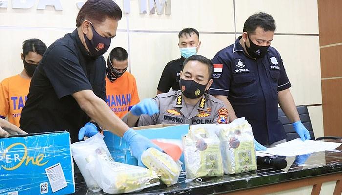 Polda Jatim panen ungkap pengedar sabu jaringan Malaysia dan Jakarta.