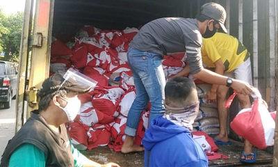 – Terima bantuan sembako dari Presiden, periode 2 tahap ke 7 berupa sembako dan beras tiba di RW 15 Kelurahan Baktijaya