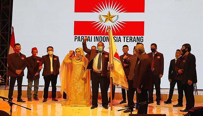 Hj. Rizayati, Gempar Soekarnoputra dan Sejumlah Tokoh Deklarasi Partai Indonesia Terang