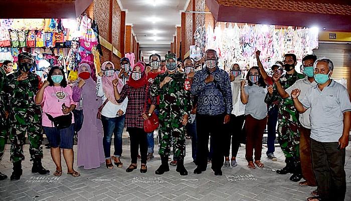 Danrem 082/CPYJ kembali sebar ribuan masker sebagai wujud aksi cegah penyebaran pandemi Covid-19.