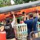 Kirim perahu karet, Plt Kalaksa BPBD Jatim temui korban banjir Pasuruan.